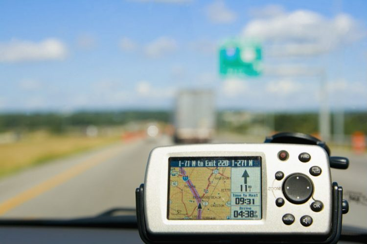 What Are the Ways a GPS Receiver Can Be Used?