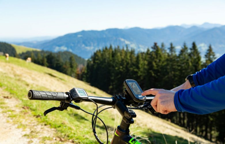 Best Mountain Bike GPS to Guide Your Way